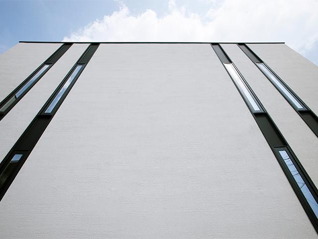 いつまでも誰にとっても美しい、シンプルな四角い家。